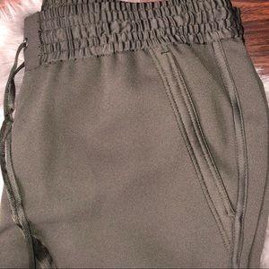 LOFT Pants - Loft Dolphin Hem Pants